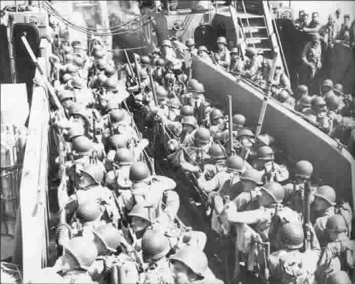 Débarquement Embarquement_soldats_americains