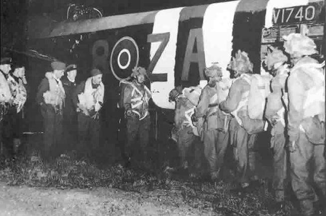 http://www.dday-overlord.com/img/para/gbca/parachutistes_britanniques_embarquement.jpg