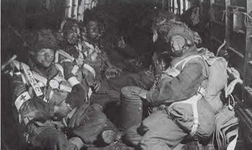 http://www.dday-overlord.com/img/para/gbca/parachutistes_britanniques_interieur.jpg