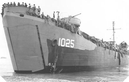 Image : Landing Ship Tank (LST) Mk2