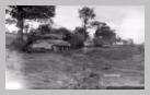 Image : Août 1944 : un char Sherman américain appartenant à l'escadron E du 67th Armored Regiment de la 2nd Armored Division