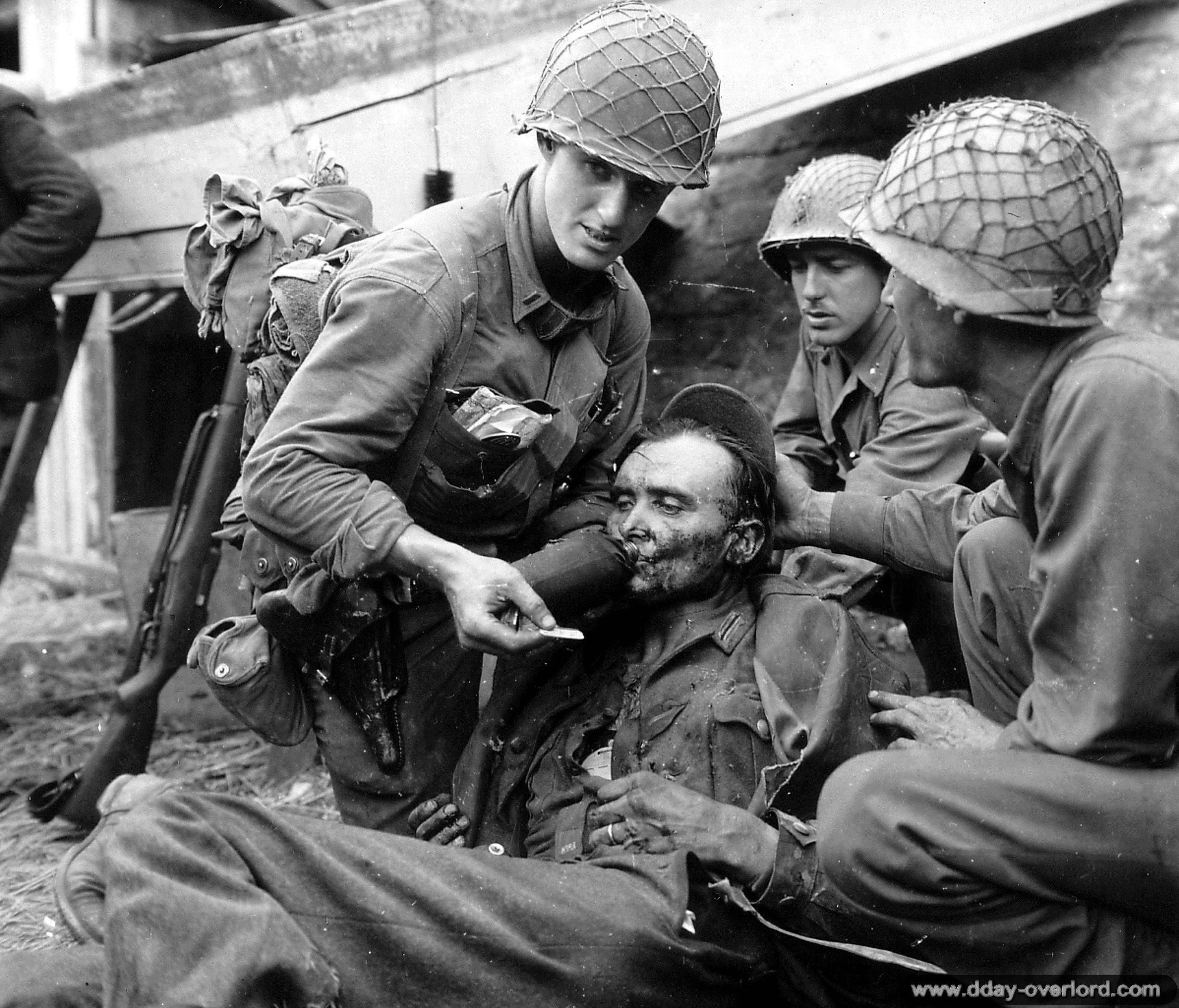 Photos de ManteslaJolie pendant la bataille de Normandie dans les