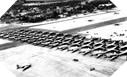 Image : Les C-47 et les planeurs attendent l'ordre de décollage