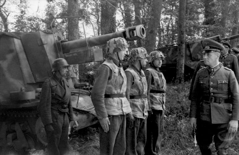 Rommel inspecte des éléments de la 21. Panzer Division en mai 1944