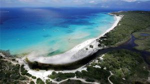 La plage de Saleccia en Corse, où fut tourné le débarquement d'Omaha Beach pour Le Jour le plus long