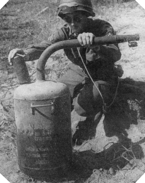 Image : Abwehrflammenwerfer 42