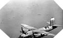 Image : Un bombardier moyen Américain B-26 survole l'armada Alliée