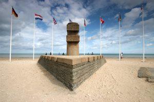 Bernières-sur-Mer - Espace historique de Normandie - Monument Signal