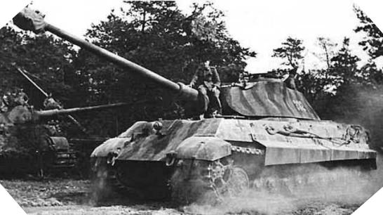 Image : <em>Panzer</em>kampfwagen VI Königstiger - Tigre Royal