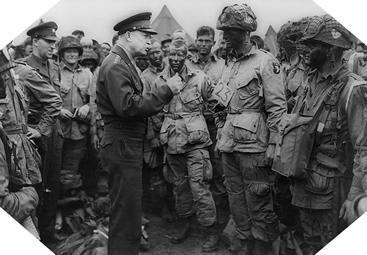 Image : Eisenhower rend visite aux paras de la 101ème Airborne Division
