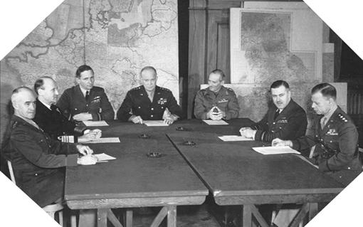 Image : généraux alliés préparant l'opération Overlord