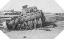 """Image : Char britannique """"Fléau"""" (lutte anti-mines) détruit sur la plage"""