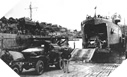 Image : Le L.S.T. 281 embarque des hommes et du matéril à Dartmouth en Angleterre