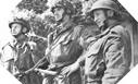 Image : 3 soldats Britanniques montant la garde à un carrefour stratégique