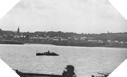 Image : Des garde-côtes Britanniques croisent devant Arromanches, épargnée par les combats