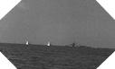 Image : L'USS Corry pris sous le feu des batteries allemandes le 6 juin 1944
