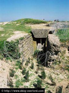 Un dépôt de munitions bombardé à la Pointe du Hoc