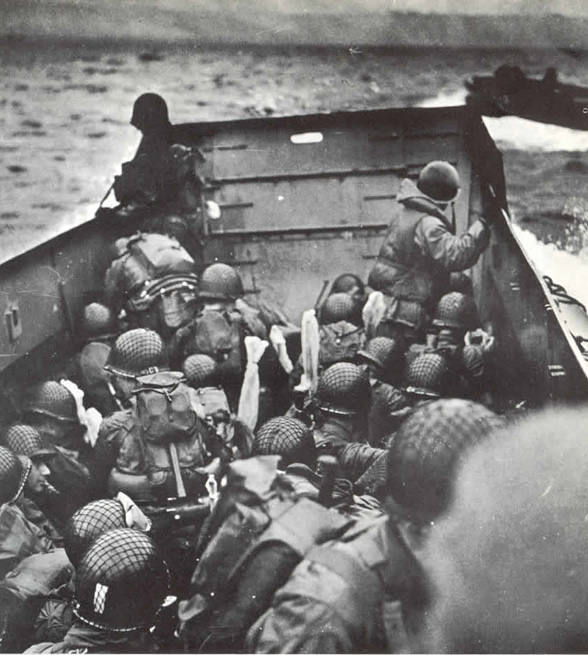 http://www.dday-overlord.com/img/dday/ob/omaha_beach_barge_approche.jpg