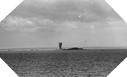 Image : Explosion d'un obus tiré sur les îles de Saint-Marcouf le 6 juin 1944