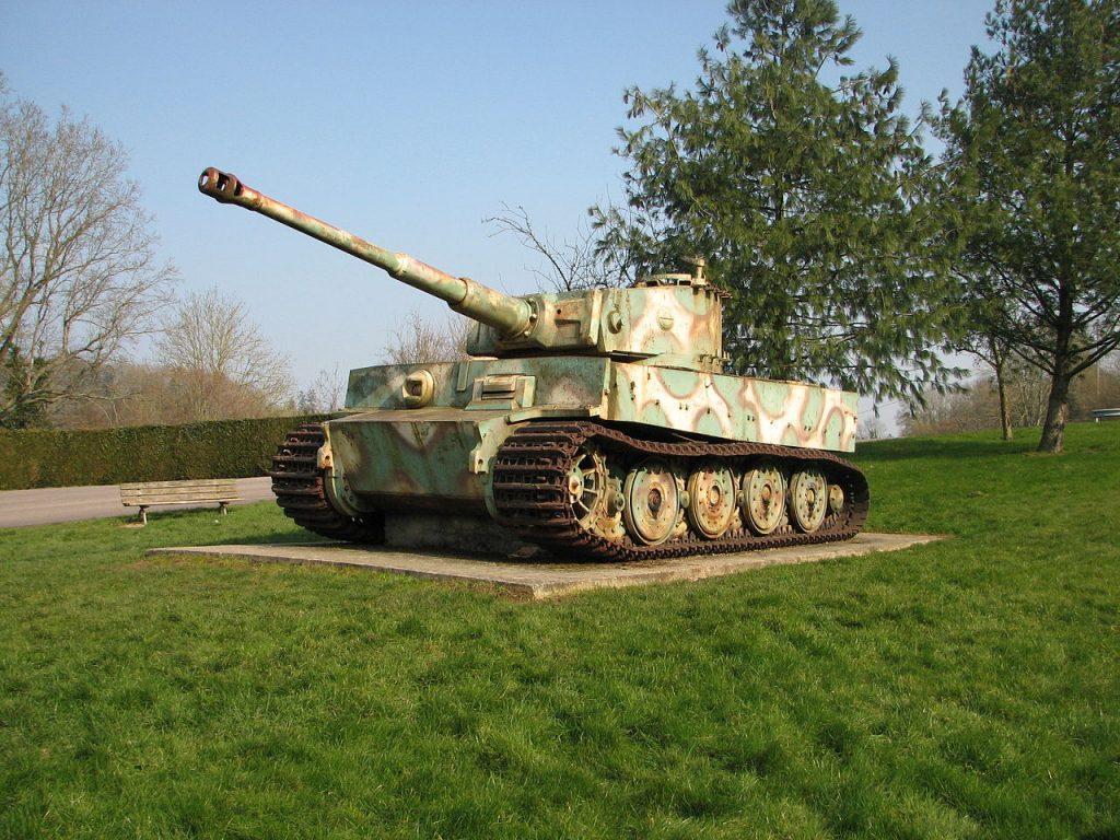 Le char tigre de vimoutiers bient t restaur for L interieur du char de vimoutier