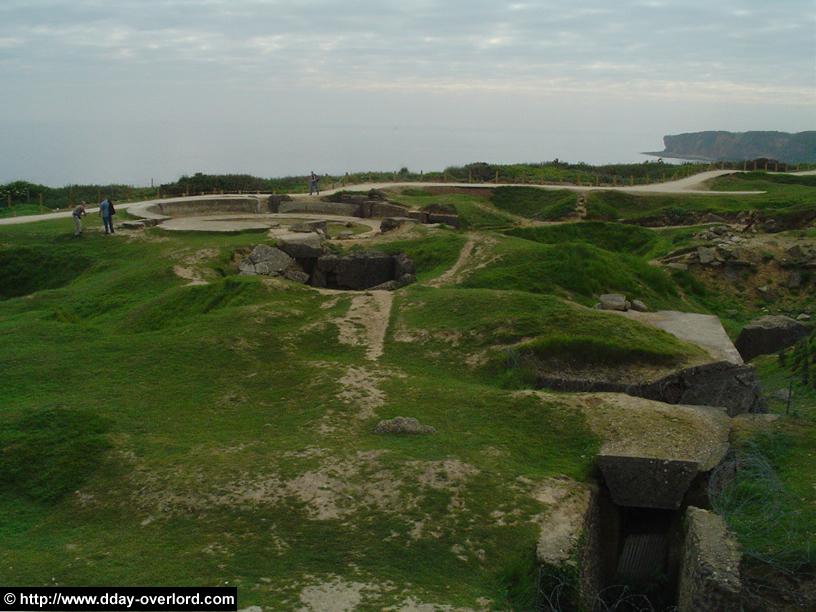 Vue générale de la Pointe du Hoc en direction de l'est. Photo : D-Day Overlord